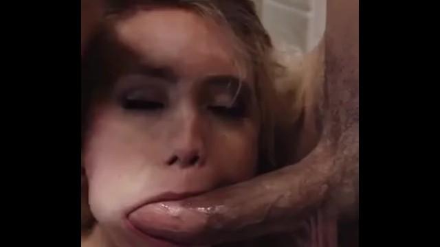 Schöne Frau mit einem großen Arsch